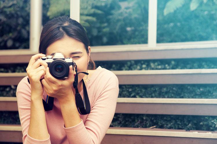 ミラーレスで撮る女性