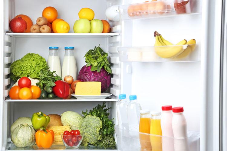 冷蔵庫いっぱいの食材